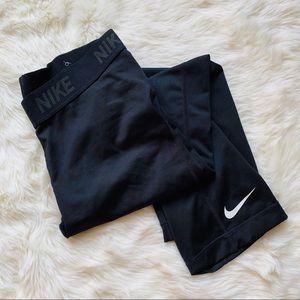 Nike Black Leggings Crop Capri Style